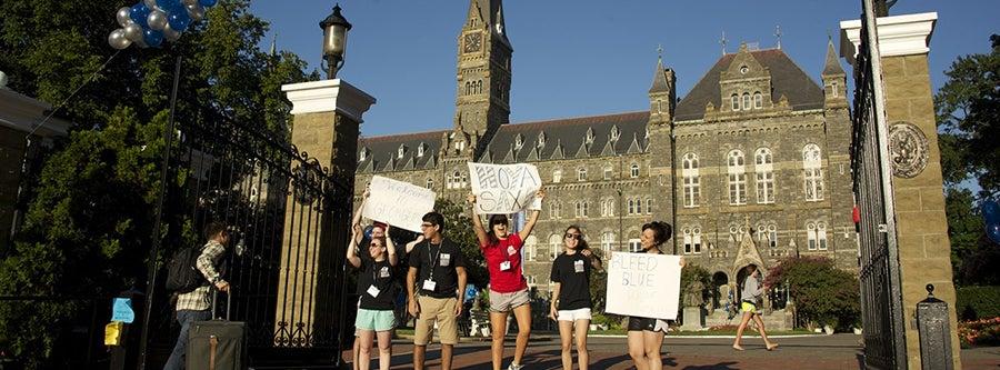 Georgetown Move-in Weekend 2013